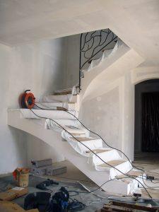 travaux d'installation d'une rampe