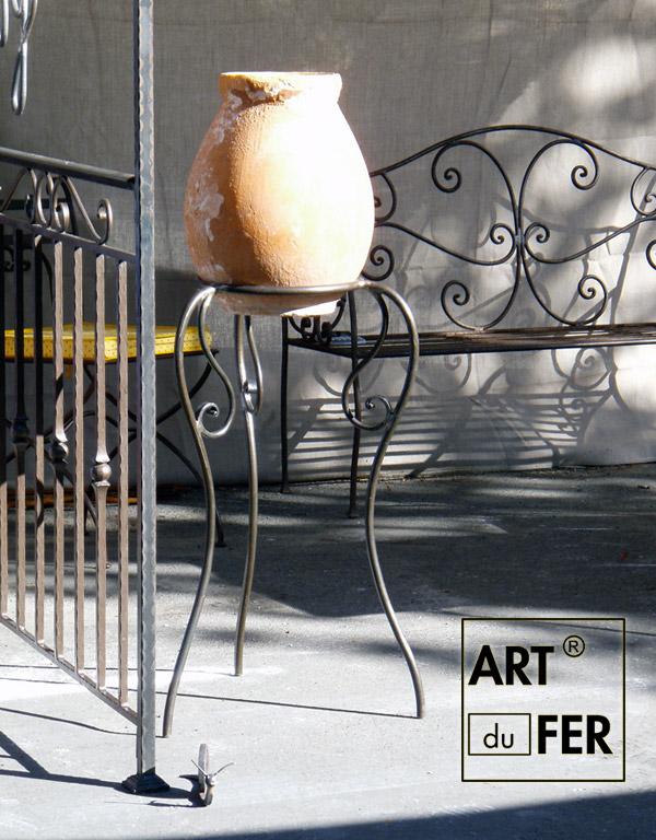 porte-pots-jarre-exposition-deco-maison-jardin-fergeron-forge
